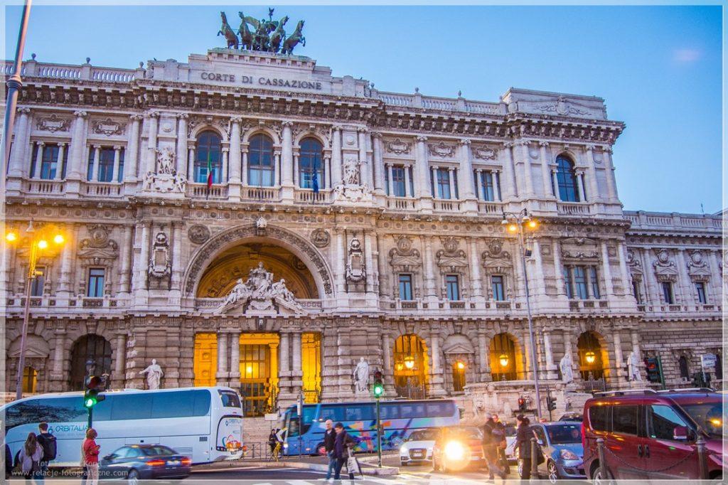 Konie w Rzymie - cavalli in Rome - Corte di Cassazione