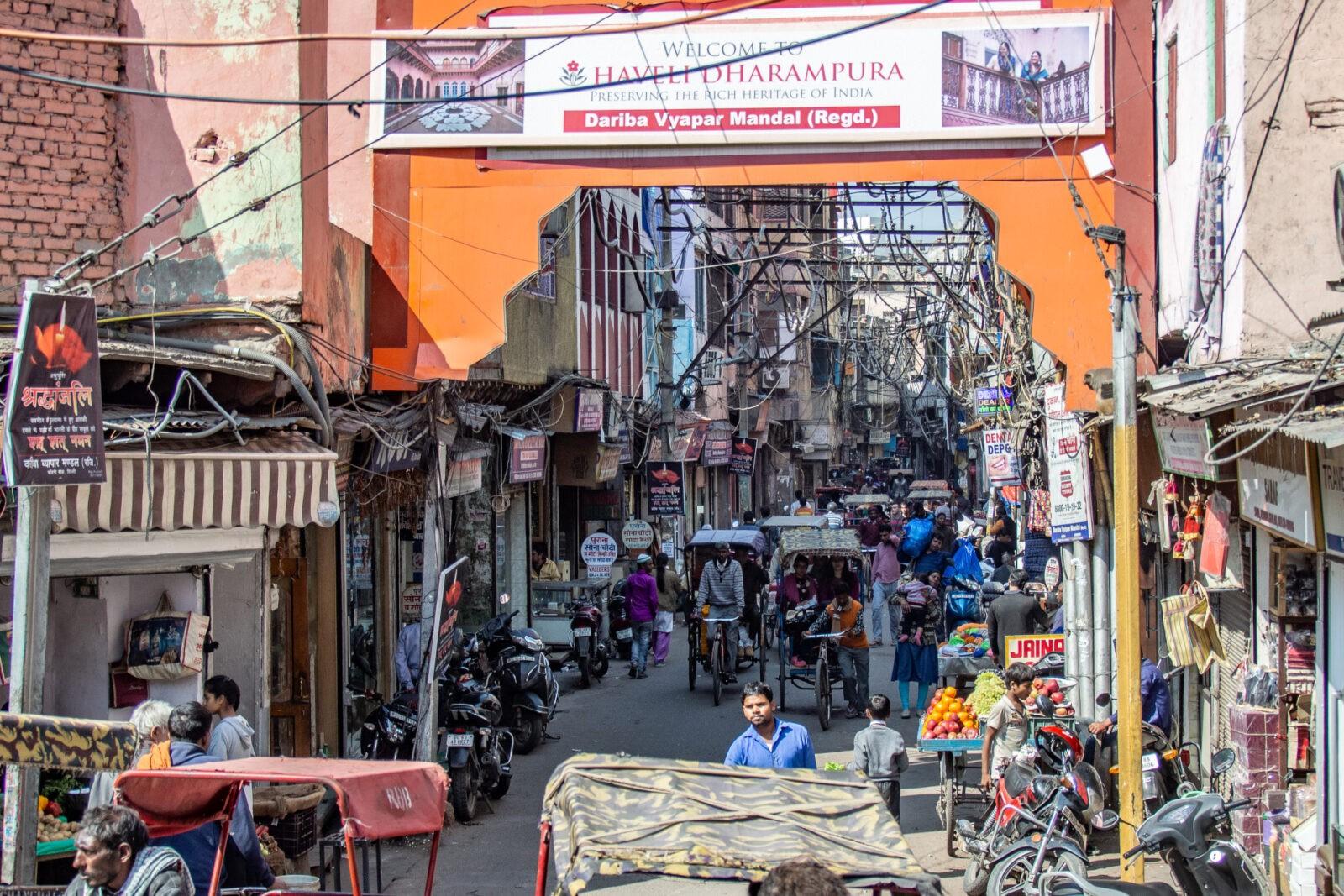 Fotograficzna wyprawa do Indii: miasto, prowincja, transport