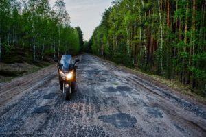 Skuter Honda s-wing FES 125 ccm. Zasięg i spalanie w okolicach 3l/100km