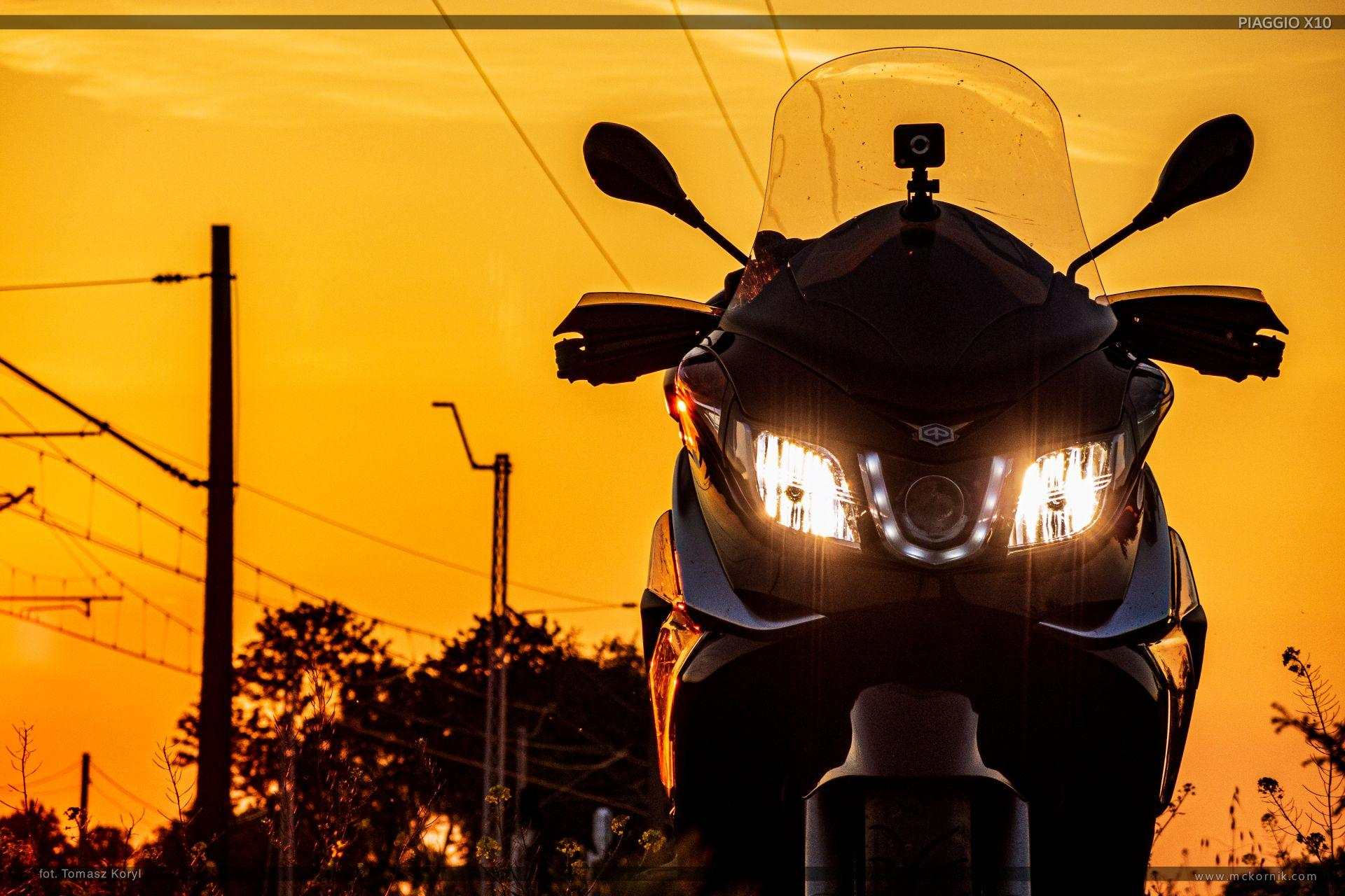 Piaggio X10 350 wallpapers - maxi scooter - fot. Tomasz Koryl - #scootertouring, #scooter, #scootertravel, #maxiscooter, #piaggio, #piaggioX10, #piaggio350
