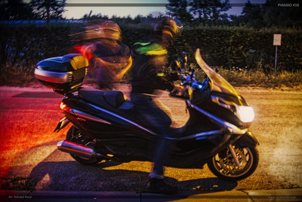 Scooter piaggio x10 350 motorcycle night photos, wallpapers,  #piaggio #piaggioX10, #scootertouring #scooter #scootertravel #maxiscooter