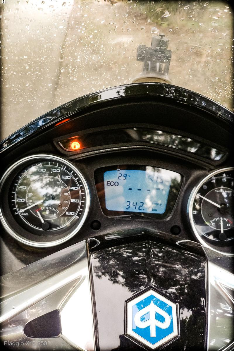 Skuter Piaggio x10 350 - zasięg, spalanie, osiągi - mckornik.com