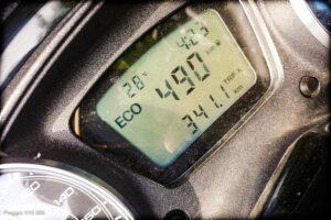ORLEN Skuter Piaggio x10 350 - zasięg na baku, spalanie 3,8 l/100km - osiągi - mckornik.com