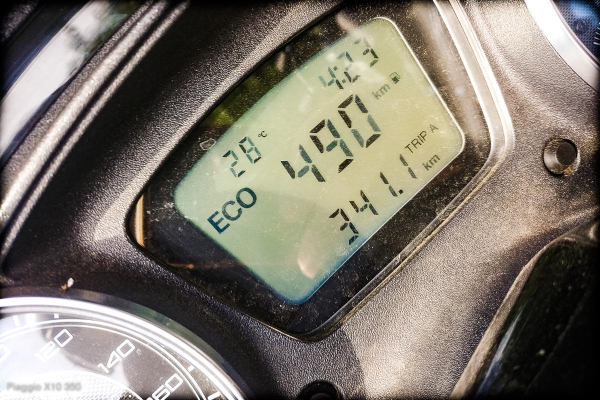 Skuter 350 ccm – zasięg na baku – Piaggio x10