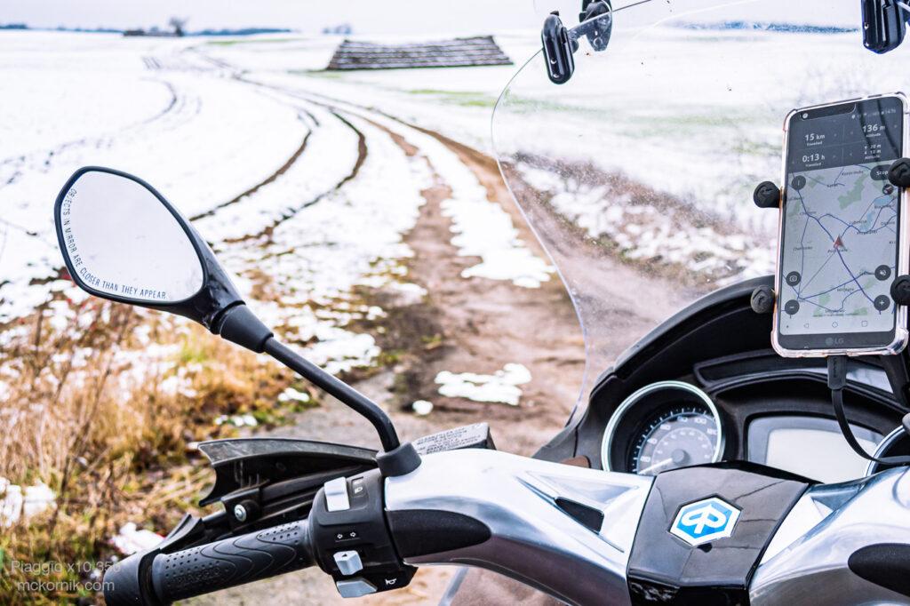 Zimowa jazda skuterem / motorem - Piaggio x10 350