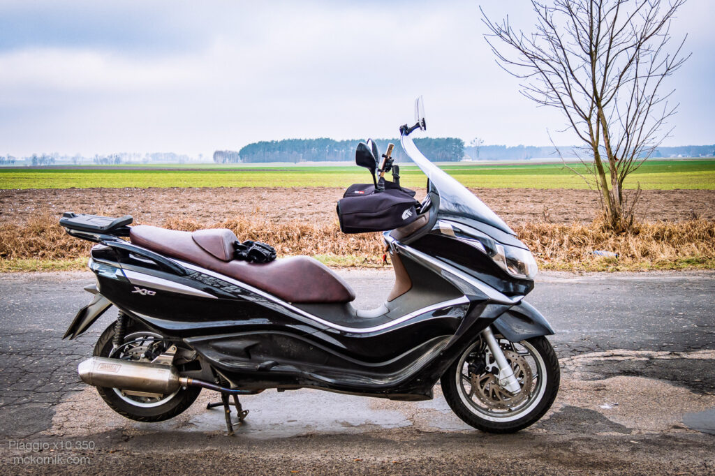 Mufki na skuter Piaggio x10 350 - mckornik.com Motorcycle muffs with hand-guards GIVI TM421, TOURING URBAN