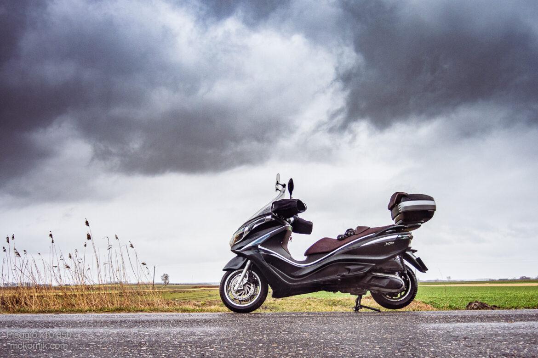 Jazda motocyklem w deszczu – dobrowolna