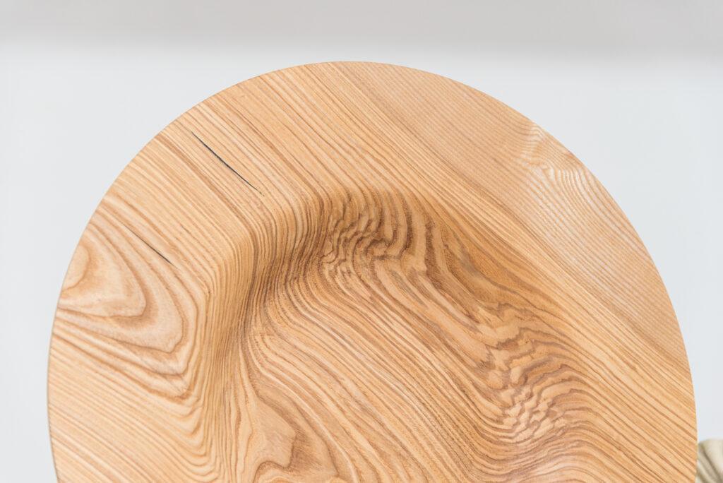 Talerz toczony z drewna jesionu