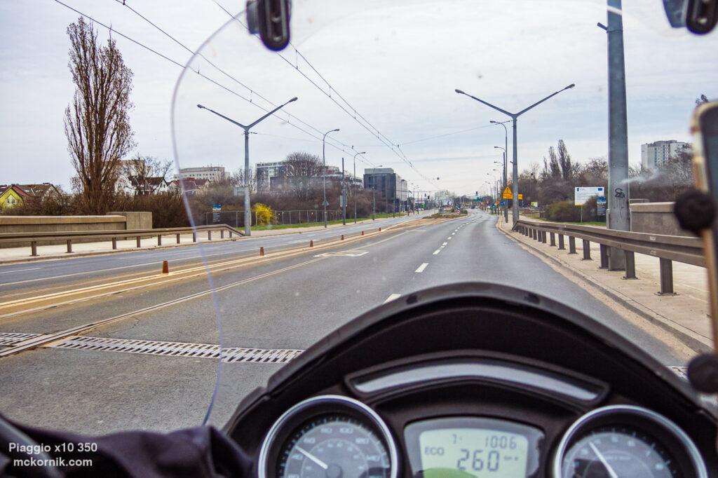 Poznań Most Królowej Jadwigi Kwietniowa trasa motocyklowa Poznań #calimotour #piaggio10,  fot. Tomasz Koryl