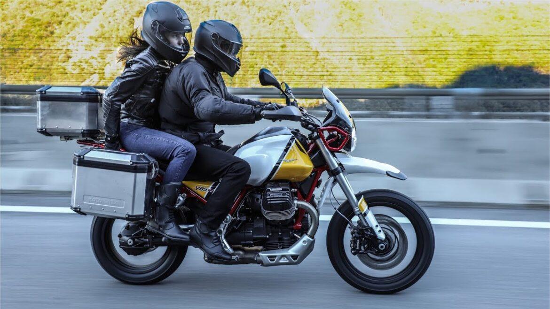 Video prezentujące motor Moto Guzzi V85 TT