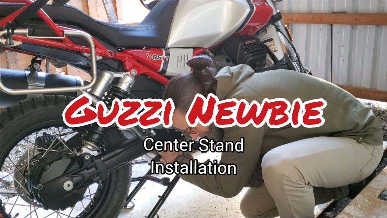 Montaż nóżki centralnej w Moto Guzzi V85 TT Adventure