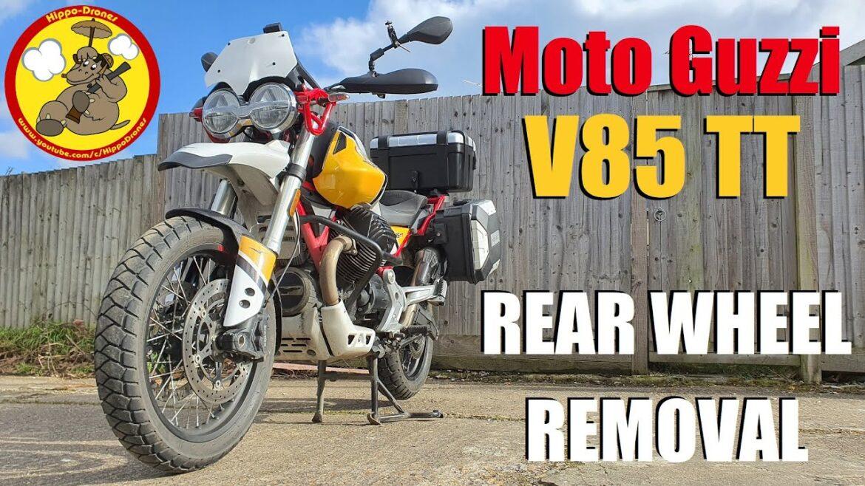 Zdejmowanie tylnego koła w Moto Guzzi V85 TT