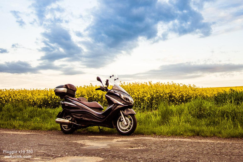 Wiosenne zdjęcia skutera Piaggio x10