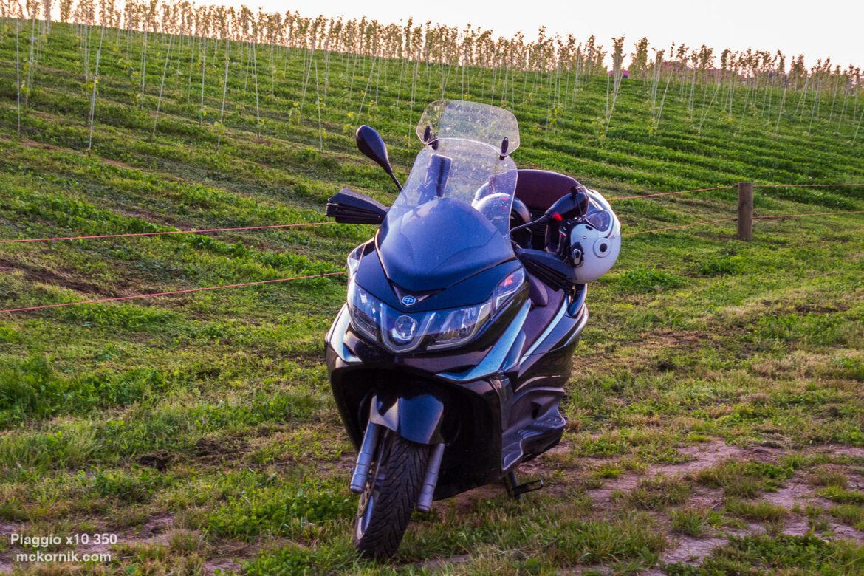 Piaggio x10 z wizytą w winnicy