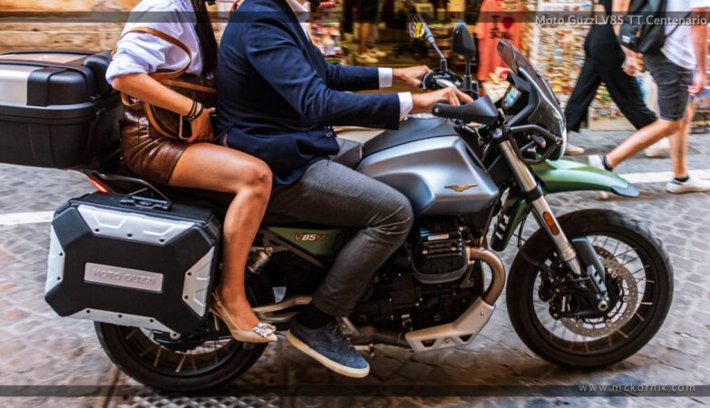 Moto Guzzi V85 TT Centenario 850 - Roma